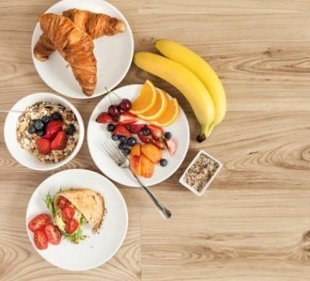 هر آنچه نباید با معده خالی به عنوان صبحانه خورد